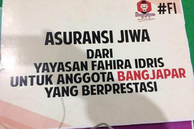 Fahira Idris Beri Asuransi Jiwa Kepada Ratusan Anggota Bang Japar