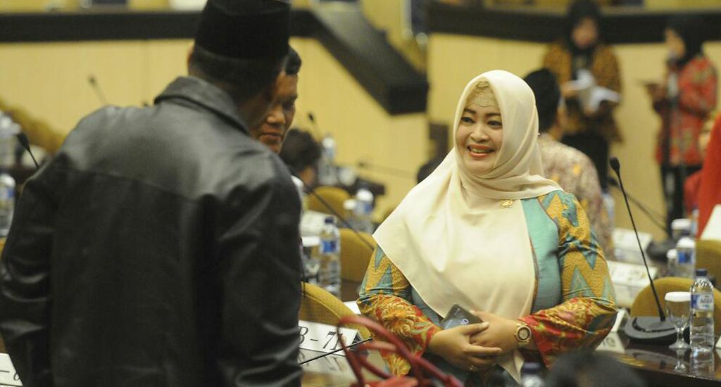 Fahira Idris Ketua Komite III DPD RI pada rapat paripurna