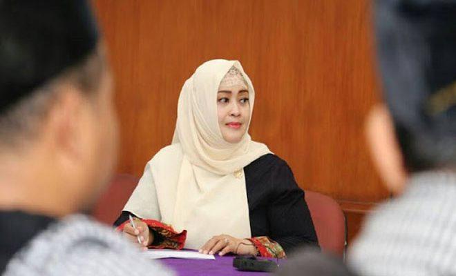 Senator Minta Fatwa Haram Beli Starbucks Segera Diterbitkan